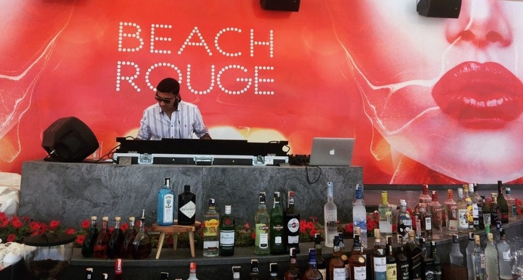 LE BAR BEACH ROUGE